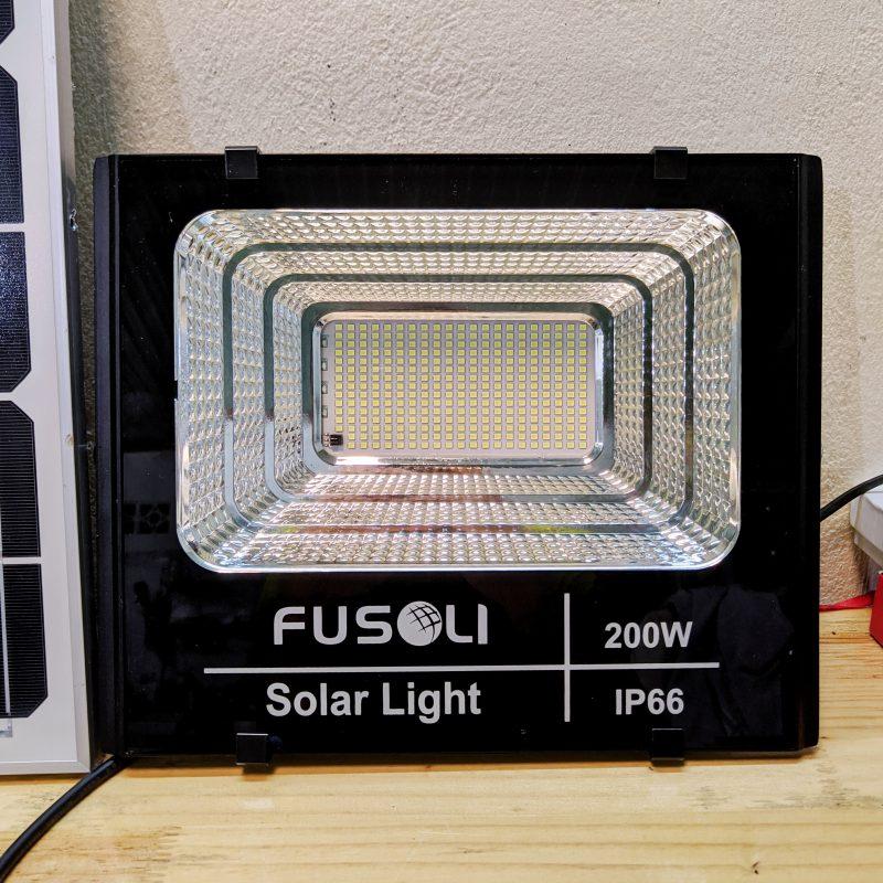 Đèn Năng Lượng Mặt Trời 200W - Thương Hiệu Fusoli